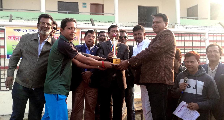 অ-১৬ ক্রিকেট চ্যাম্পিয়নশীপ'র বিভাগীয় ফাইনালে যশোর জেলা ৭উইকেটে জয়ী