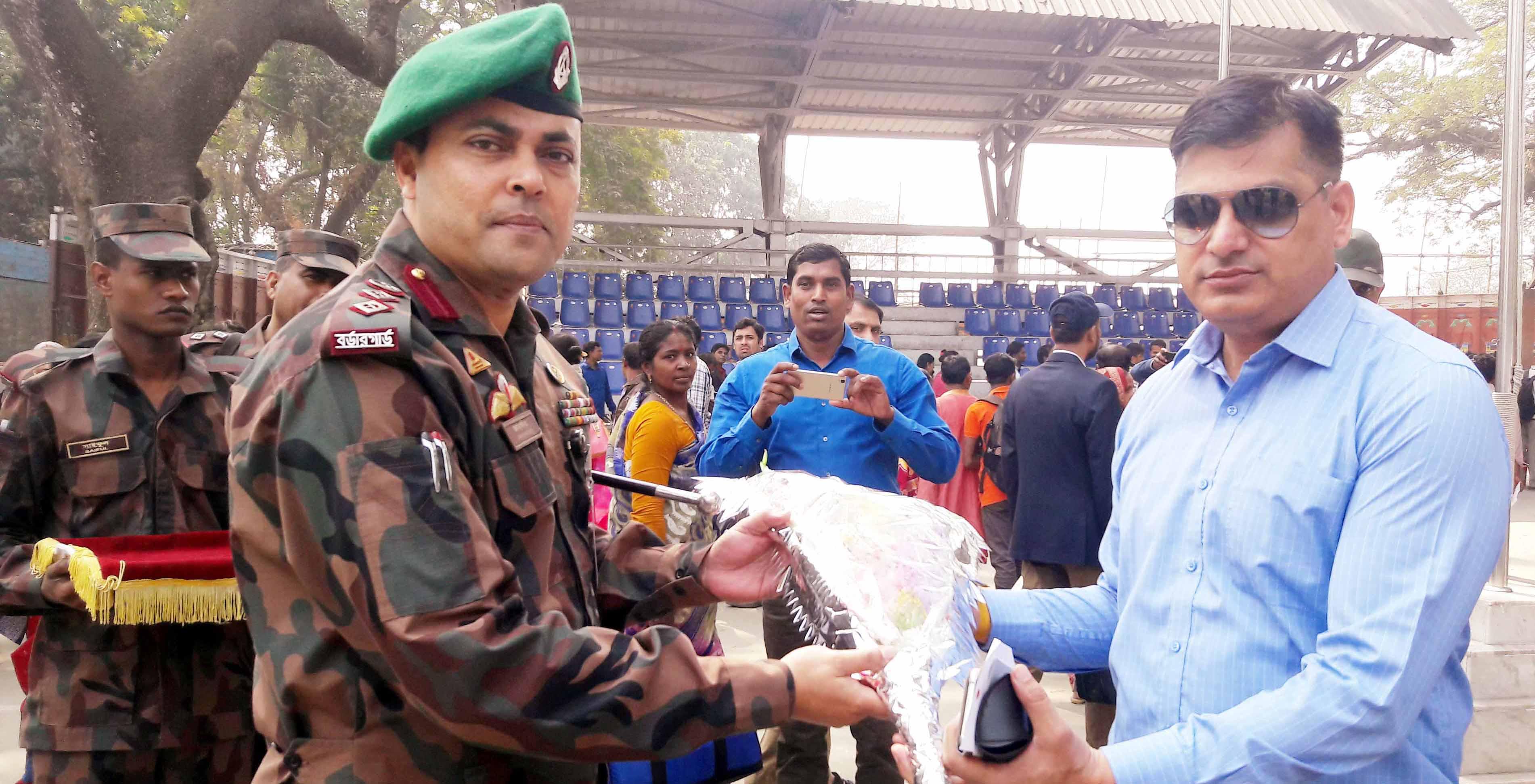 বিজিবি-বিএসএফ বাস্কেট বল প্রীতি ম্যাচ খেলতে ভারতীয় বিএসএফের ১৪ সদস্যের বাস্কেট দল বাংলাদেশে