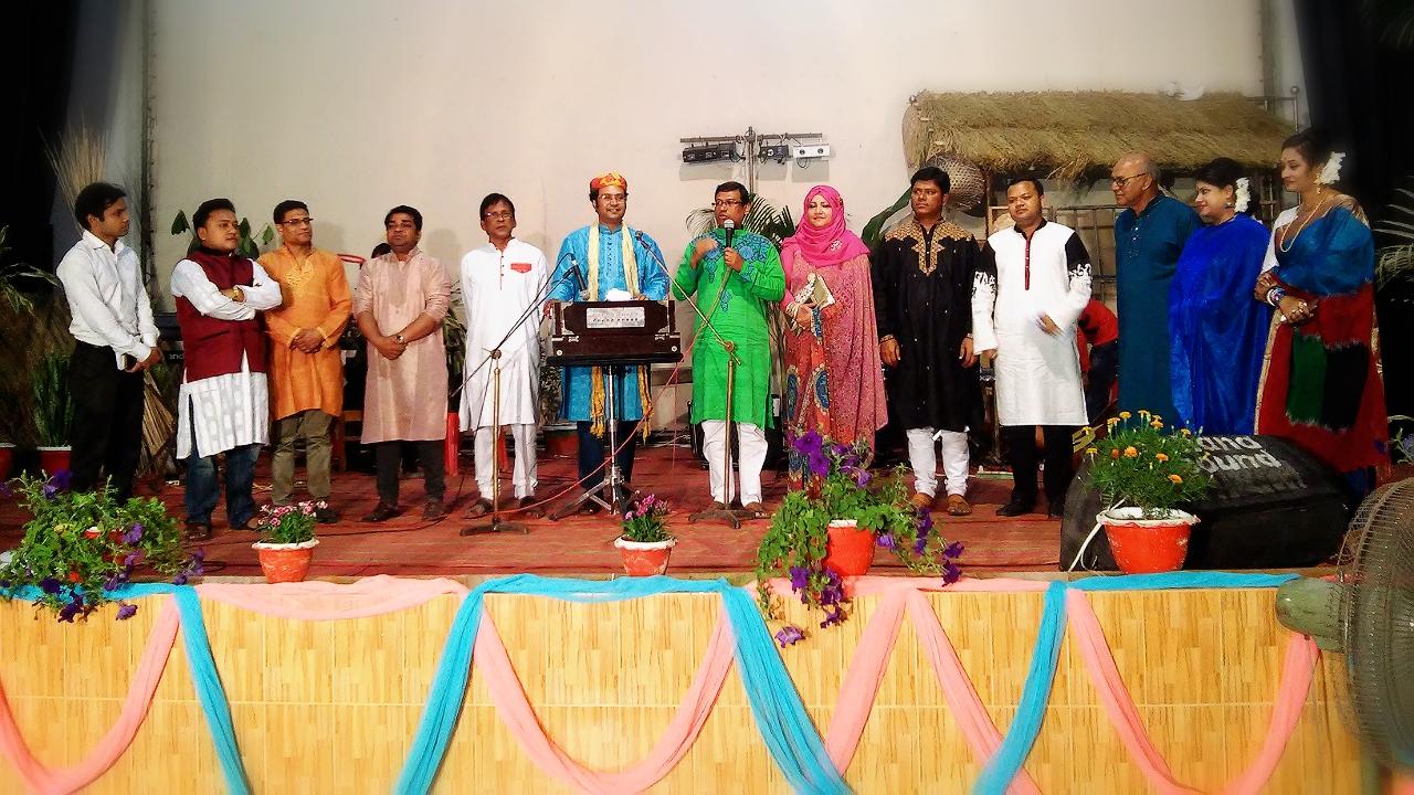 বসন্ত বাতাসে শিল্পকলায় 'সাদা-কালো স্মৃতির পাতায়' হারানো দিনের গান (ভিডিওসহ)