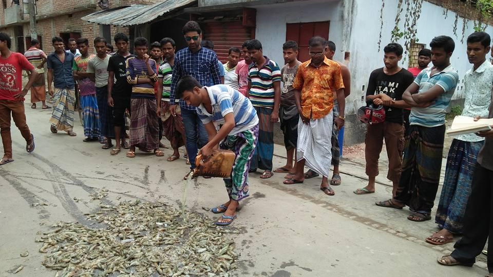 শ্যামনগরে বাগদা চিংড়িতে পুশ বিরোধি অভিযানে ৭০ হাজার টাকা জরিমানা