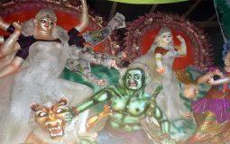 কালিগঞ্জে ৫২টি মন্ডপে শারদীয় দুর্গোৎসবের প্রস্তুতি প্রায় সম্পন্ন, মৌতলার পরমানন্দকাটি মন্দিরে তৈরী হয়েছে ১১১ প্রতিমা