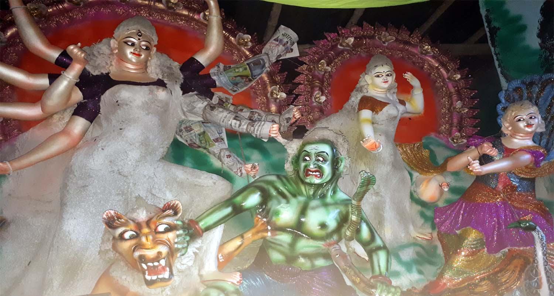দেবীর বোধনের মধ্য দিয়ে আজ শারদীয় দুর্গোৎসব শুরু