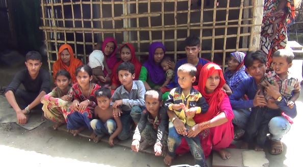 রোহিঙ্গা পুশব্যাক ঠেকাতে বিজিবি'র সাথে সীমান্ত পাহারায় গ্রামবাসি