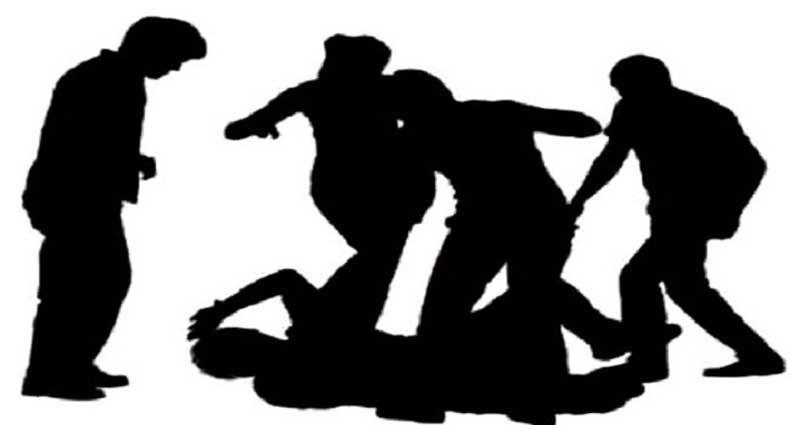 এসএসসি পরীক্ষার্থীকে নির্দয়ভাবে পেটালো কারিমা স্কুলের শিক্ষক মালেক