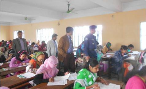তালায় এসএসসি পরীক্ষার প্রথম দিনে চার শিক্ষক বহিষ্কার