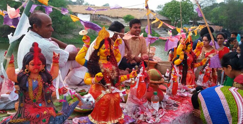 শ্যামনগরে পুণ্য ¯œান ও ধর্মীয় অনুষ্ঠানের মধ্য দিয়ে পালিত হল বারুণী উৎসব