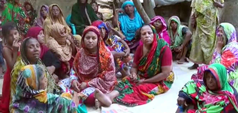 মালয়েশিয়ায় নির্মাণাধীন বাড়ির লিফ্ট ধসে বাংলাদেশী ৩ শ্রমিকের মৃত্যু: বেনাপোলে স্বজনদের আহাজারি