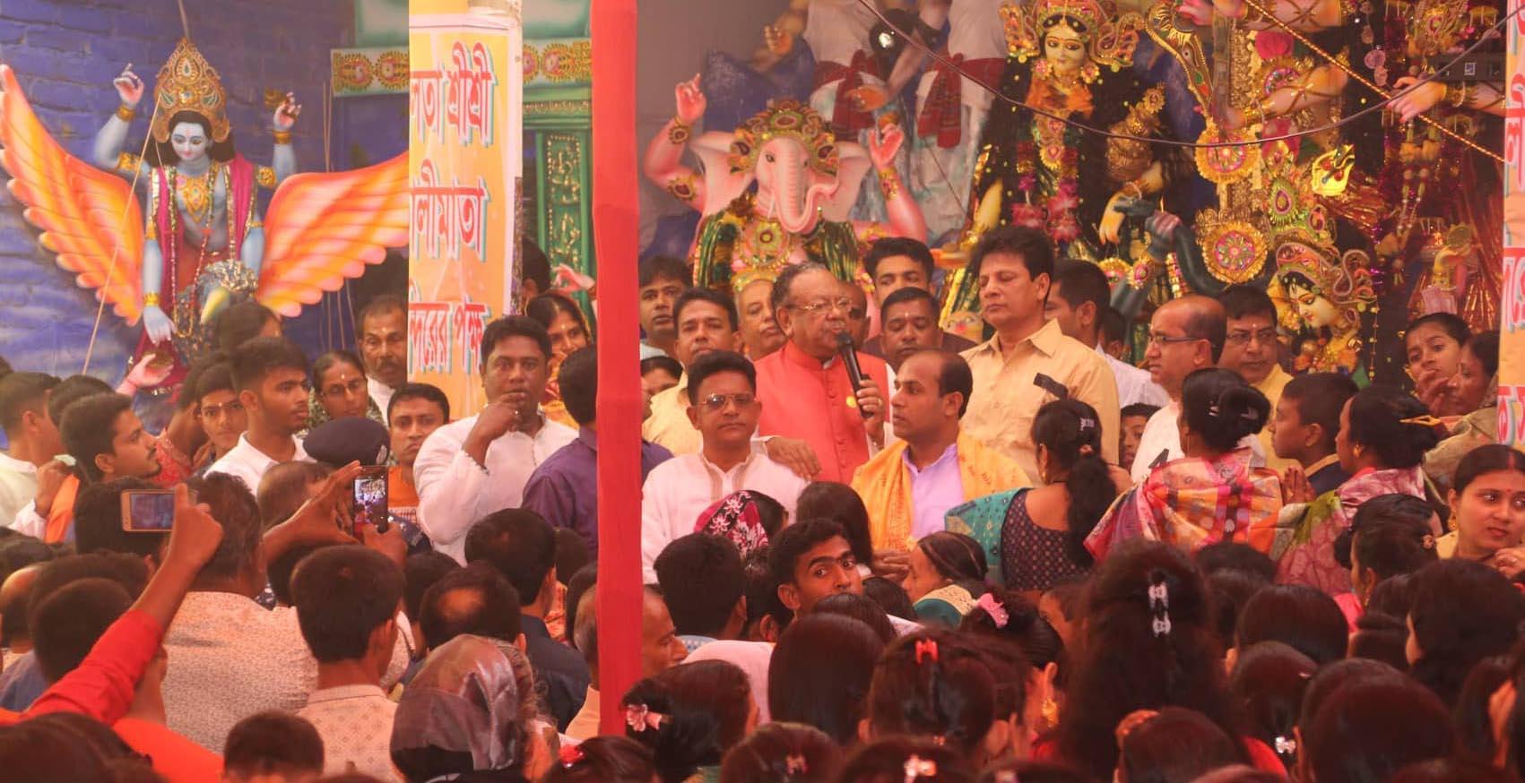 নলতা ও গাজীরহাট পূজা মন্দির পরিদর্শন করলেন ডা. রুহুল হক এমপি