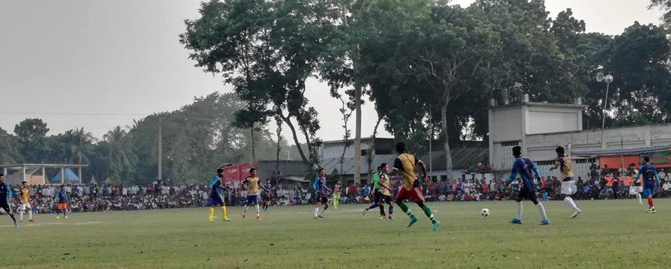 তালার সরুলিয়া ফুটবল টুর্নামেন্টে কলারোয়াকে হারিয়ে মুড়োগাছা সেমিতে