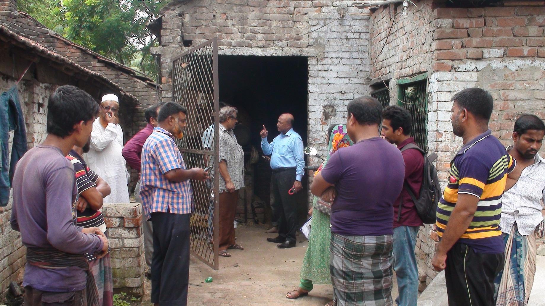 ওজোপাডিকো'র অবৈধ বিদ্যুৎ সংযোগের বিরুদ্ধে অভিযান: তার হিটার ও মিটার উদ্ধার