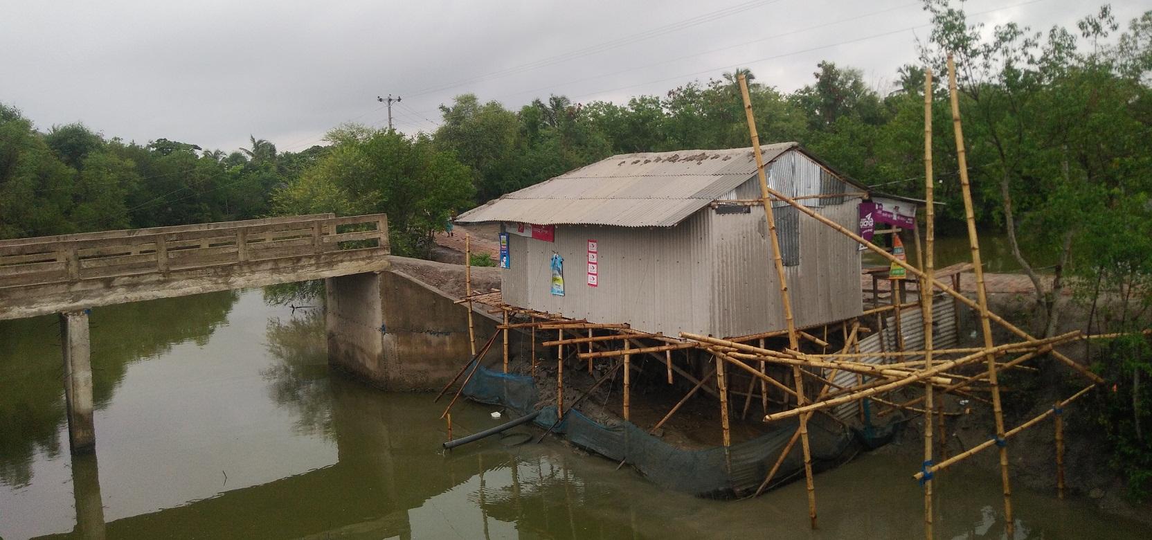 বুড়িগোয়ালিনীতে সরকারি খাল দখলের অভিযোগ