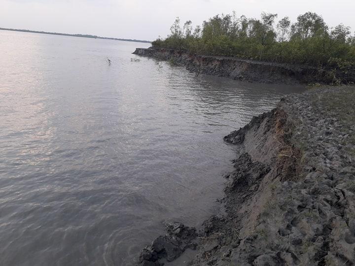 নদী ভাঙন ঝুঁকিতে গাবুরার সরকারি দৃষ্টিনন্দন প্রকল্প