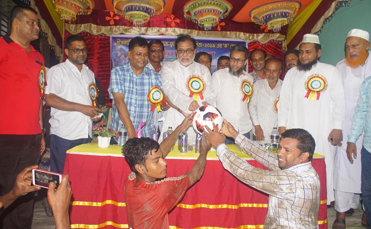 আন্ত:স্কুল ও মাদ্রসা ফুটবল প্রতিযোগিতার 'ক' জোনের ফাইনালে গোবরদাড়ি চ্যাম্পিয়ন