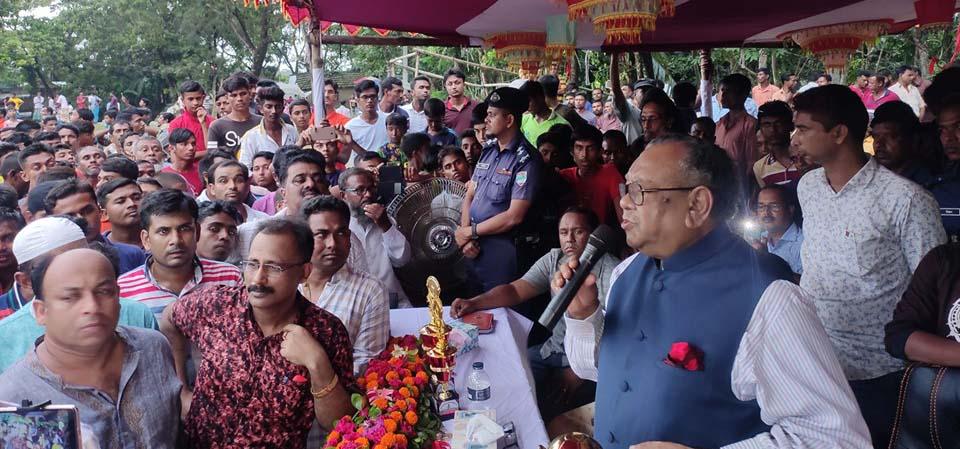 বুধহাটায় আছাফুর জিম সেন্টার পরিদর্শনে অধ্যাপক রুহুল হক এমপি