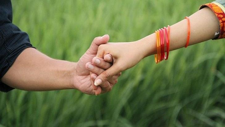 কেশবপুরে প্রেমের ফাঁদে ফেলে মুদি দোকানীর স্ত্রীকে নিয়ে প্রেমিক সোহেল রানা উধাও